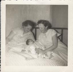 Mama, Ophie, me (713x706)