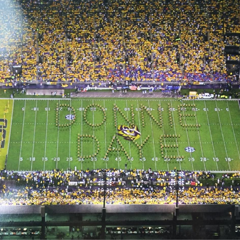 Tribute to Donnie on field (800x800)